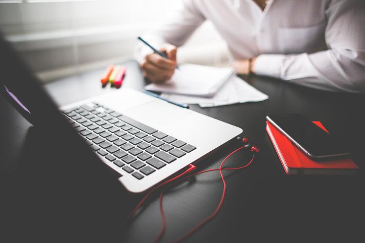 przyczyny prokrastynacji freelancera