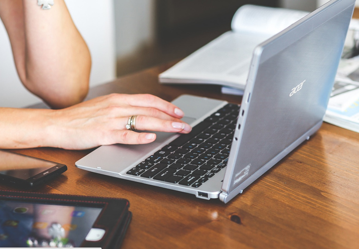 REVOLVE: Szablon WordPress dla nowoczesnych agencji