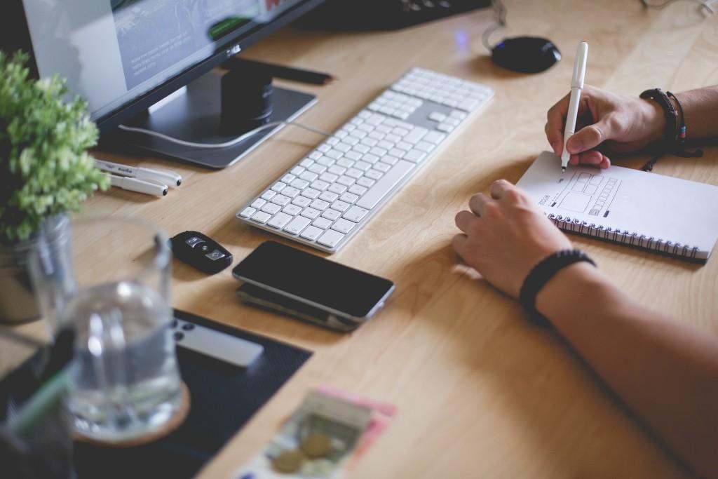 Metodyki agile i techniki Scrum w pracy zdalnej dla branż kreatywnych.