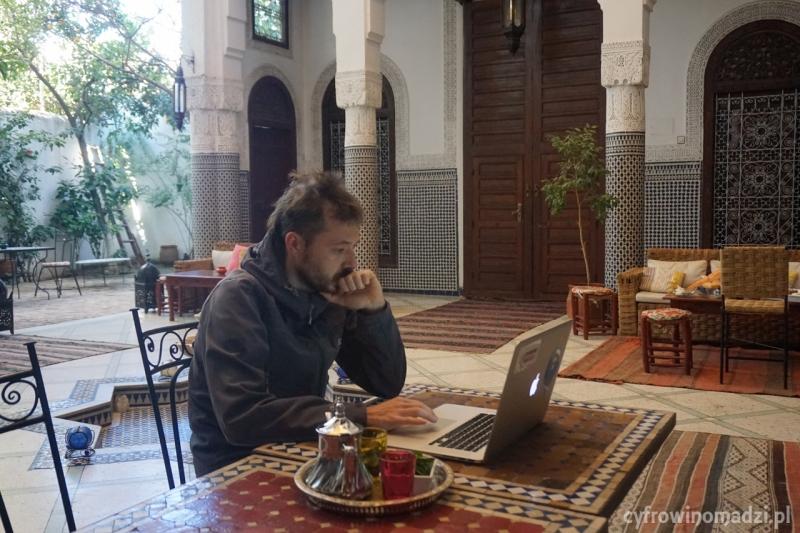 Informatyk Bartek freelancer w podróży