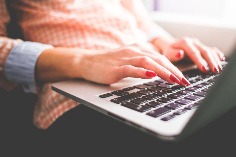 Jak prawidłowo pisać maile?