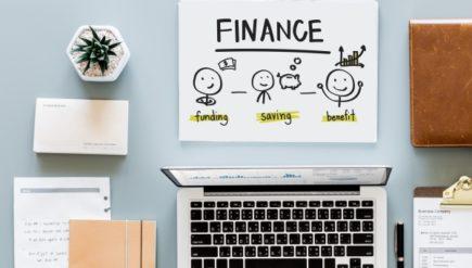 Zarządzanie finansami i budżet w pracy zdalnej