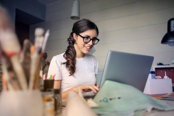 Jak znaleźć pracę w branży kreatywnej