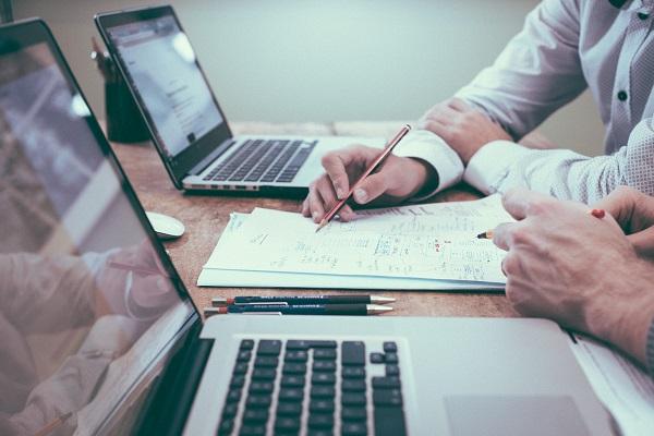 Współpraca z freelancerem w pracy zdalnej - poprawki