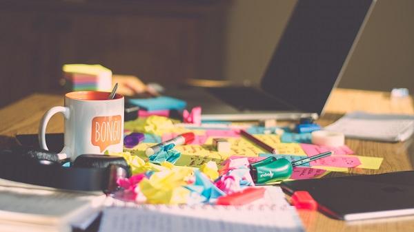 Biurko dla freelancera, miejsce do pracy zdalnej