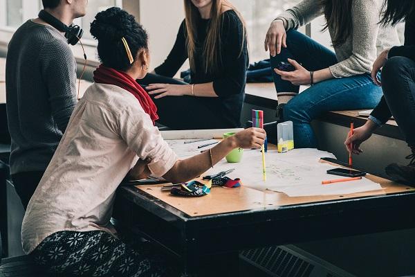 Jak zrobić i sprzedawać kurs online: społeczność