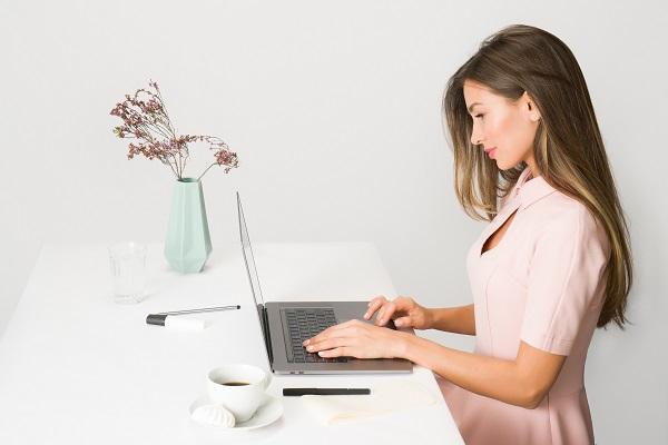 Jak zacząć pracować zdalnie - zorganizuj miejsce do pracy