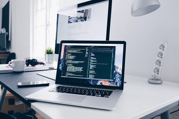 Darmowe kursy z certyfikatem dla freelancerów - programowanie