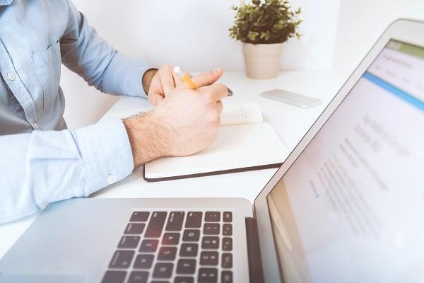Jak zamknąć firmę i nie stracić klientów: faktury