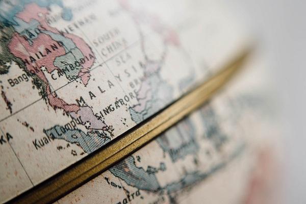 Jak połączyć pracę zdalną z podróżami - poradnik dla freelancerów