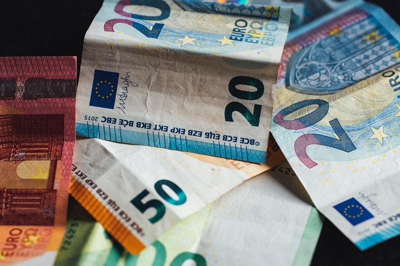 Freelancing zamiast działalności gospodaraczej: koszty i księgowość